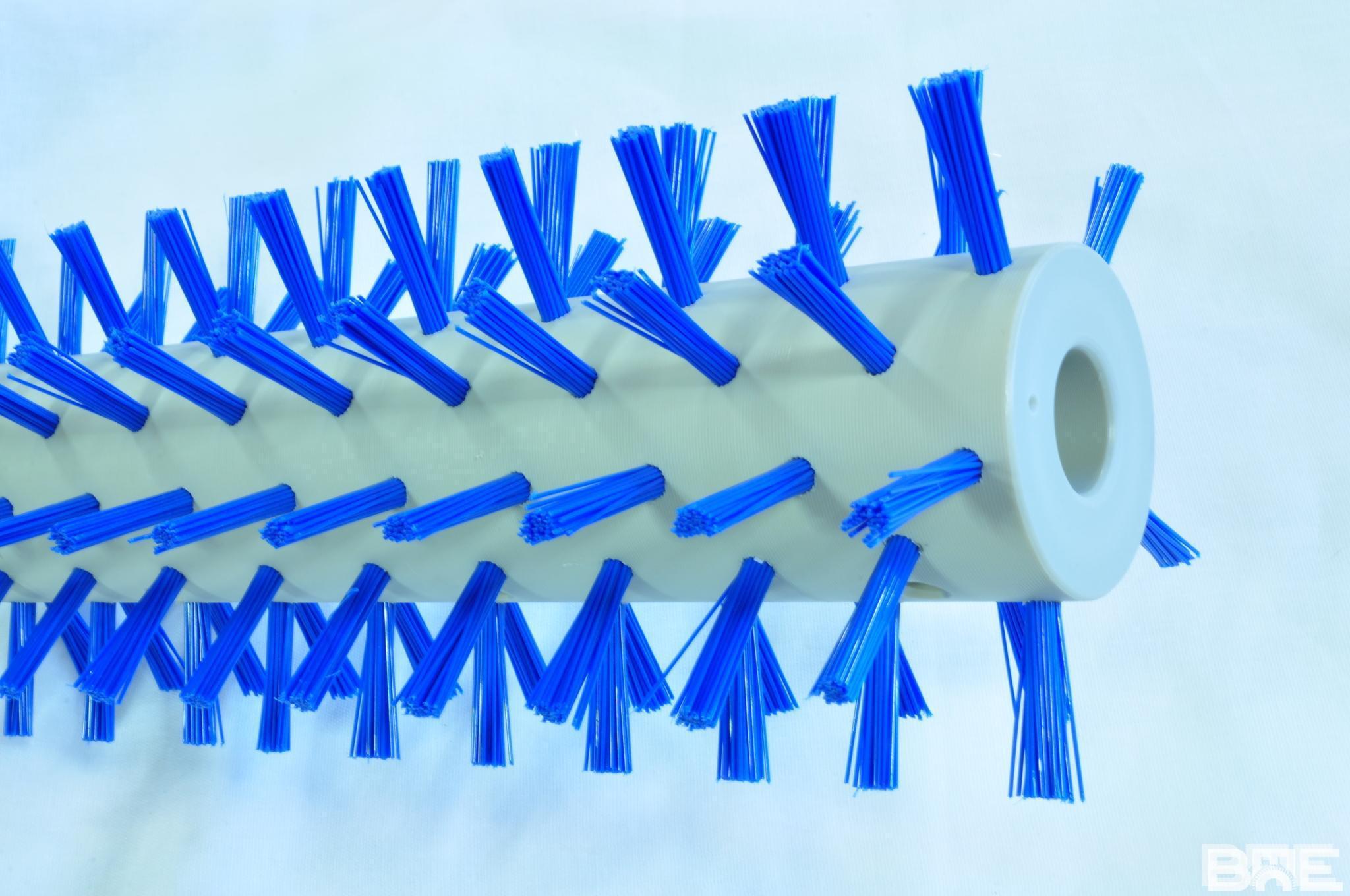 Brosse rotative alimentaire avec garnissage faible densité
