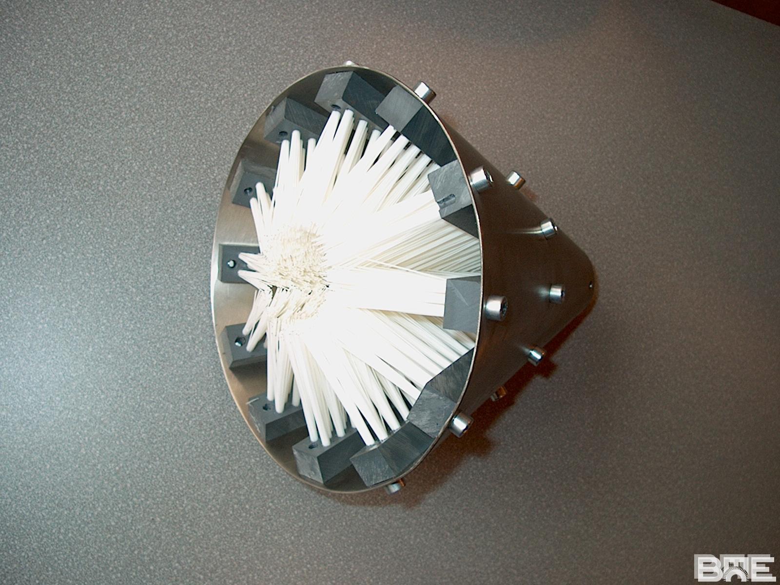 Brosse spécifique pour le nettoyage extérieur d'un tube