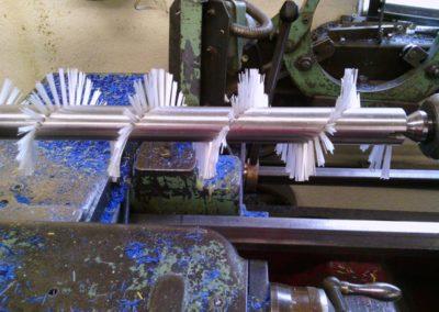 Brosse garnie en fibre polyamide