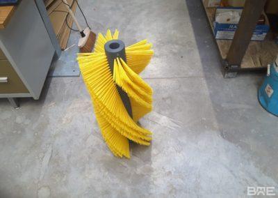 Brosse rotative industrielle pour convoyeur